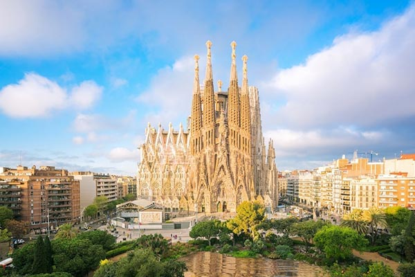 کلیسای ساگرادا فامیلیا - بارسلونا