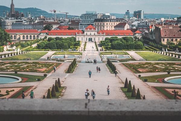 وین بهشت مهاجرت به اروپا