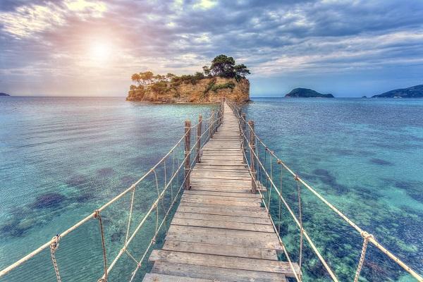 با اخذ اقامت یونان پول پارو کنید