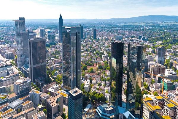 دوری از خانواده پس از اقامت در آلمان