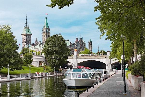 ویزای دائم کانادا از طریق اسکیل ورکر