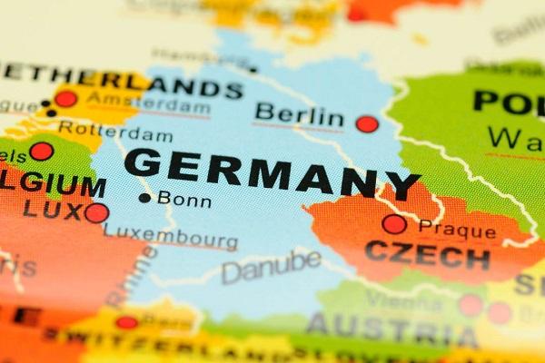 سختی های زندگی در آلمان برای مهاجران