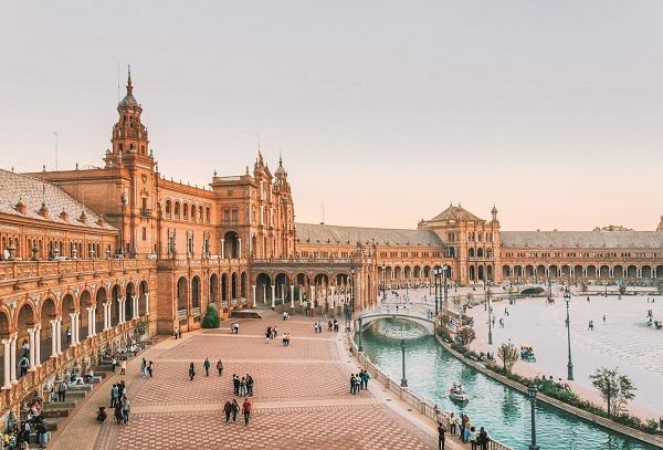 بهترین قانون اخذ اقامت اسپانیا