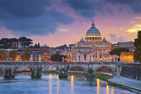 خرید ملک در ایتالیا و دریافت اقامت دائمی
