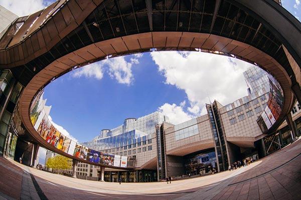 انتخاب رشته و دانشگاه مناسب برای ادامه تحصیل در اروپا